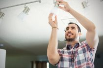 How Much Does an Electrician Make?